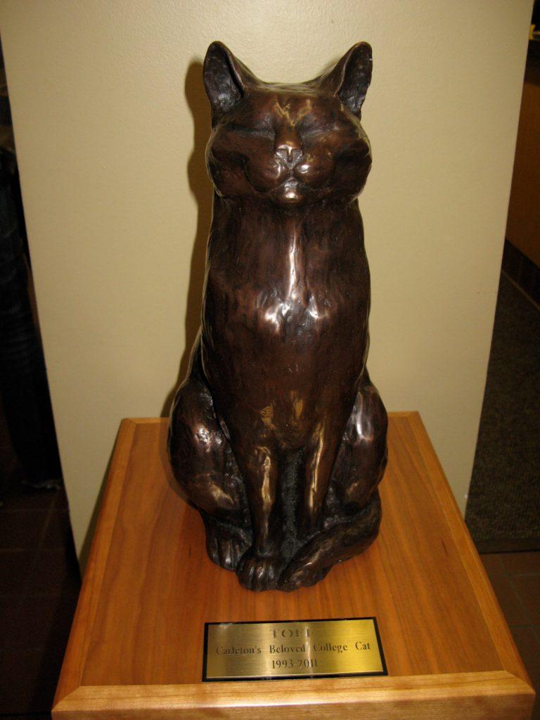 Toff the cat statue
